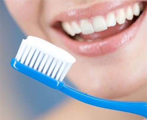 Theo nha khoa cách chăm sóc răng sứ tốt là như thê nào ?
