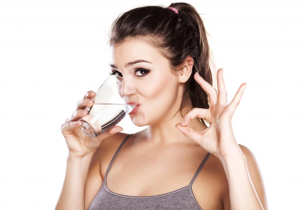 Bọc răng sứ cho răng cửa bằng chất liệu nào là tốt nhất? 2