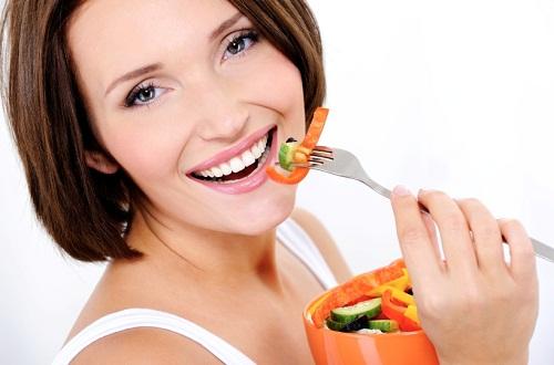 Cách chăm sóc răng sứ như thế nào để đảm bảo bền chắc? 1