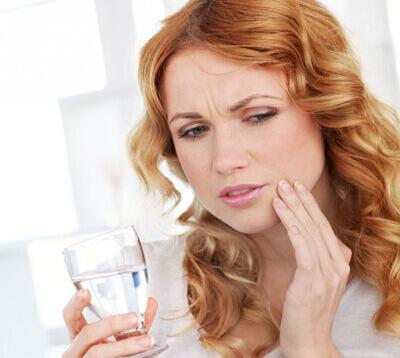 Răng bọc sứ bị nhức là DO ĐÂU? Cách khắc phục răng bọc sứ bị nhức 1