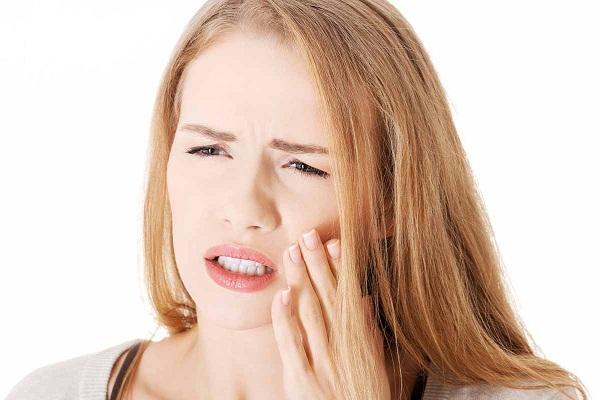 Nguyên nhân và cách khắc phục ê buốt khi bọc răng sứ TRIỆT ĐỂ 1