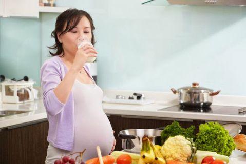Khô họng khi mang thai - Nguyên nhân và cách khắc phục như thế nào? 2