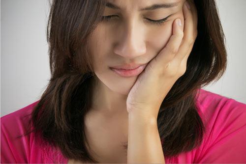Sau khi bọc răng sứ bị đau & cách khắc phục TRIỆT ĐỂ 1